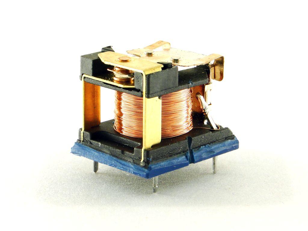 Ардуино: модуль реле